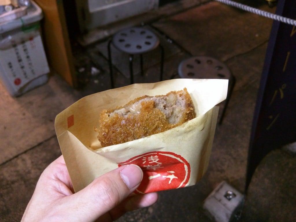 肉汁があふれるメンチカツ ~ 浅草 浅草メンチ