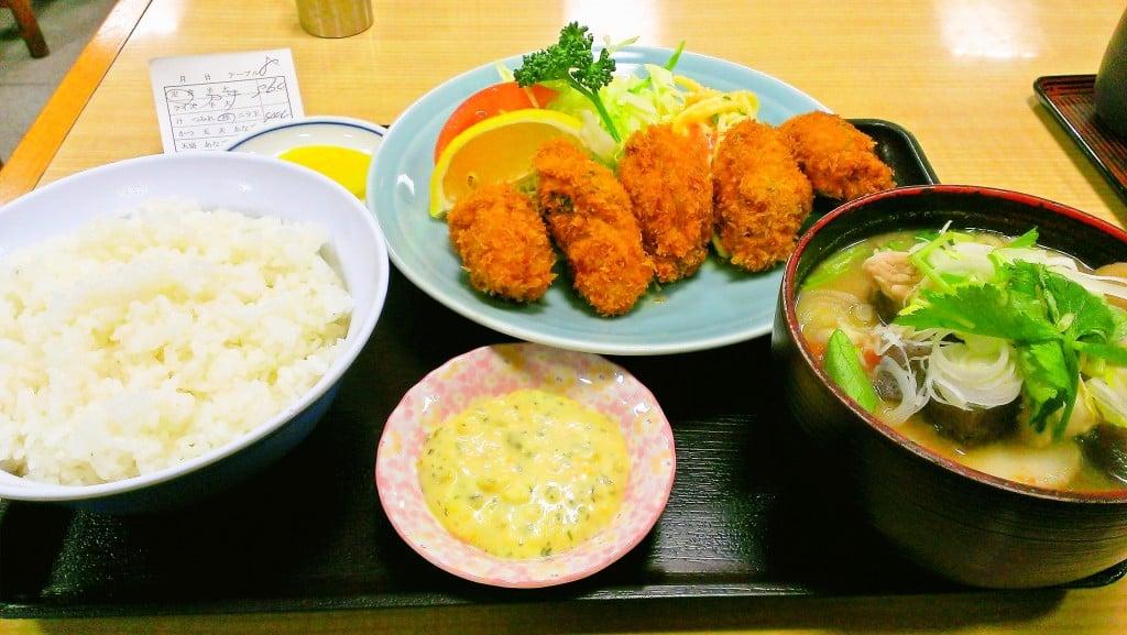 いつも満席、人気の大衆食堂 ~ 田端 動坂食堂