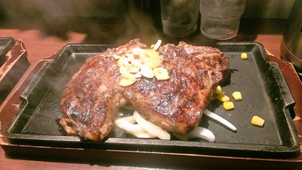 豪快な立ち食いステーキを ~ いきなり!ステーキ 銀座4丁目店