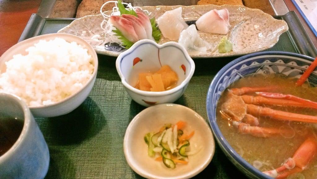 道の駅ならぬ魚の駅 ~ 富山県黒部市生地 できたて館 炭焼きレストラン航海灯