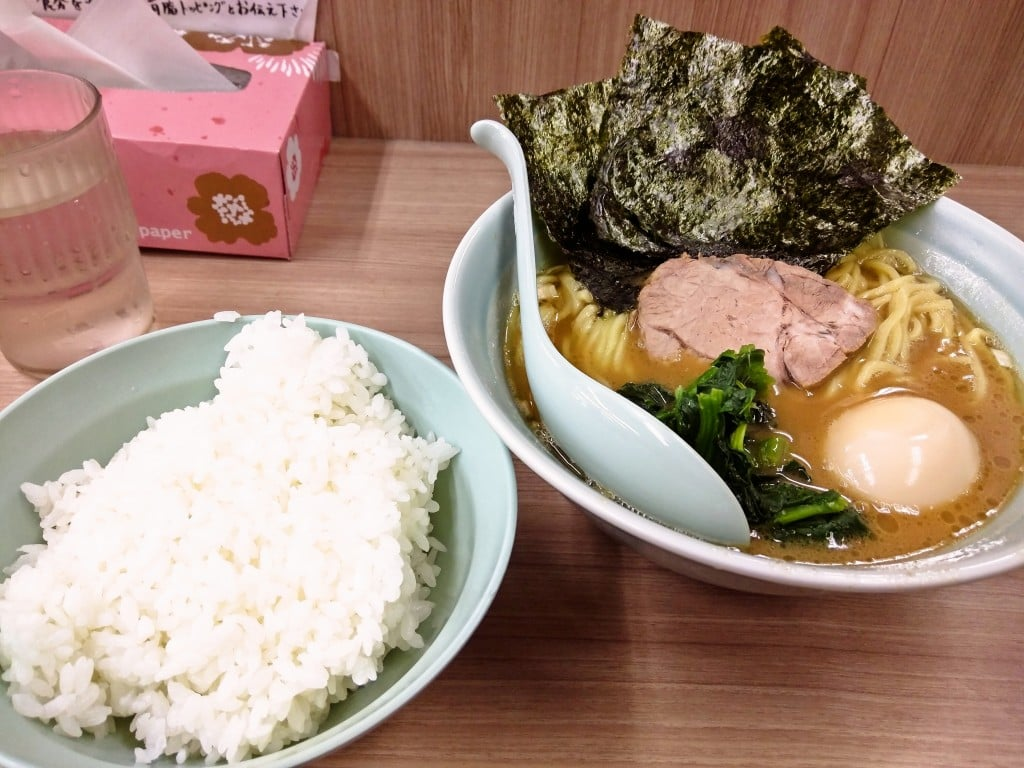 学生率95%の家系ラーメン ~ 白山 武蔵屋 白山店