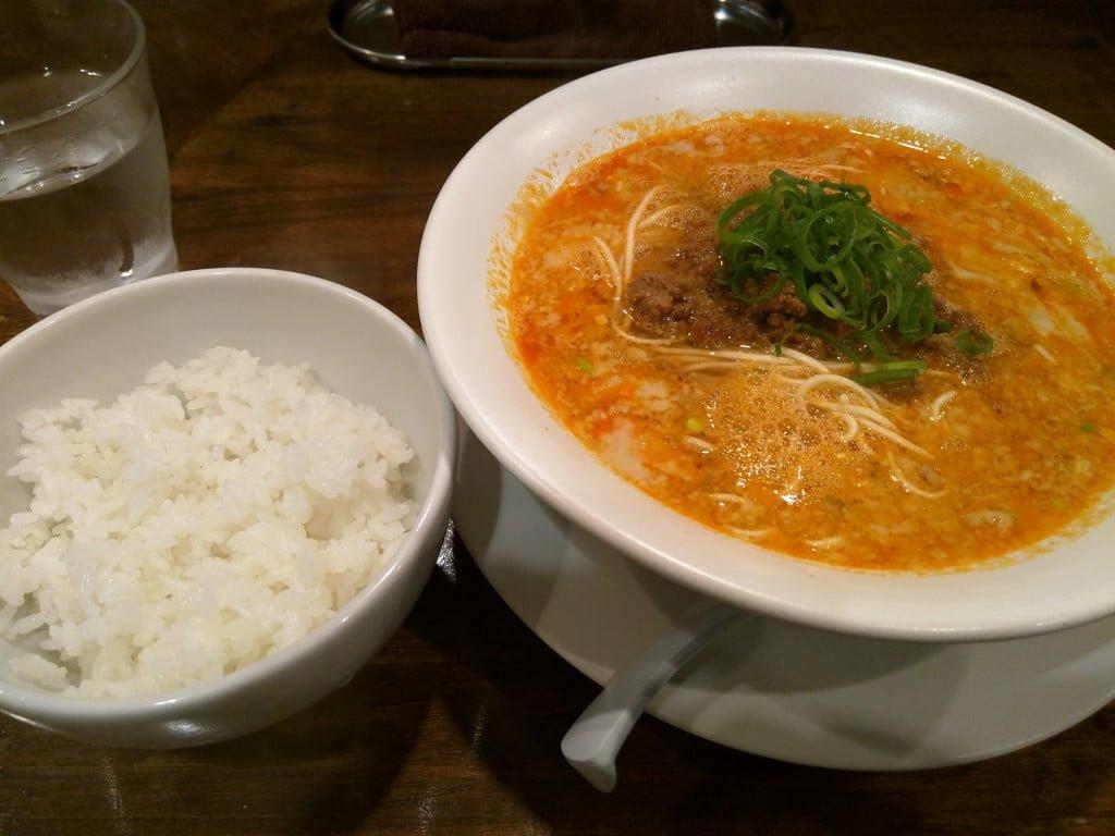 上品で丁寧な感じの極旨担々麺 ~ 大塚 鳴龍