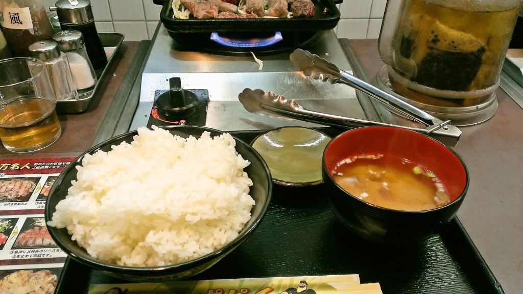 元祖?立ち食いステーキ ~ 上野 ステーキカウンター ポパイ