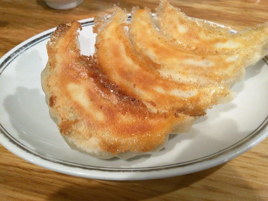 昔からの大きな餃子 ~ 上野 昇龍 part2