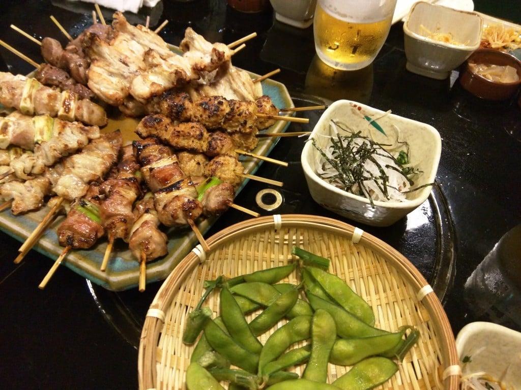 典型的で大衆的な焼鳥居酒屋 ~ 京橋 とり安