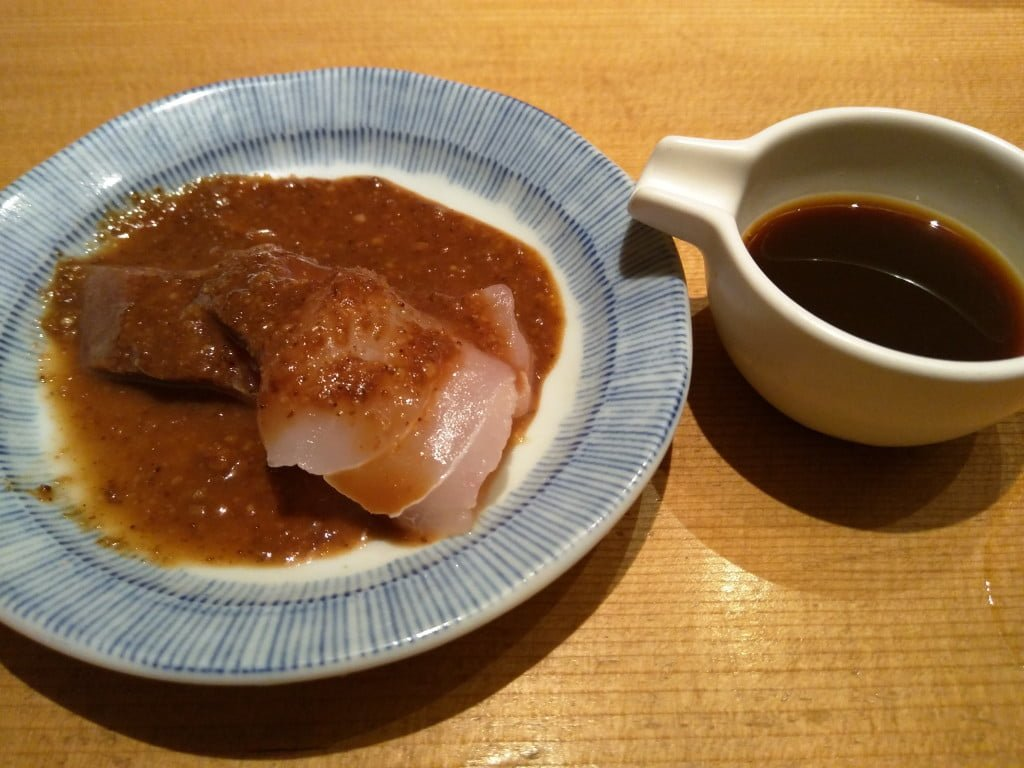 行列ができるコスパの高いぜいたく丼 ~ 日本橋 海鮮丼 つじ半