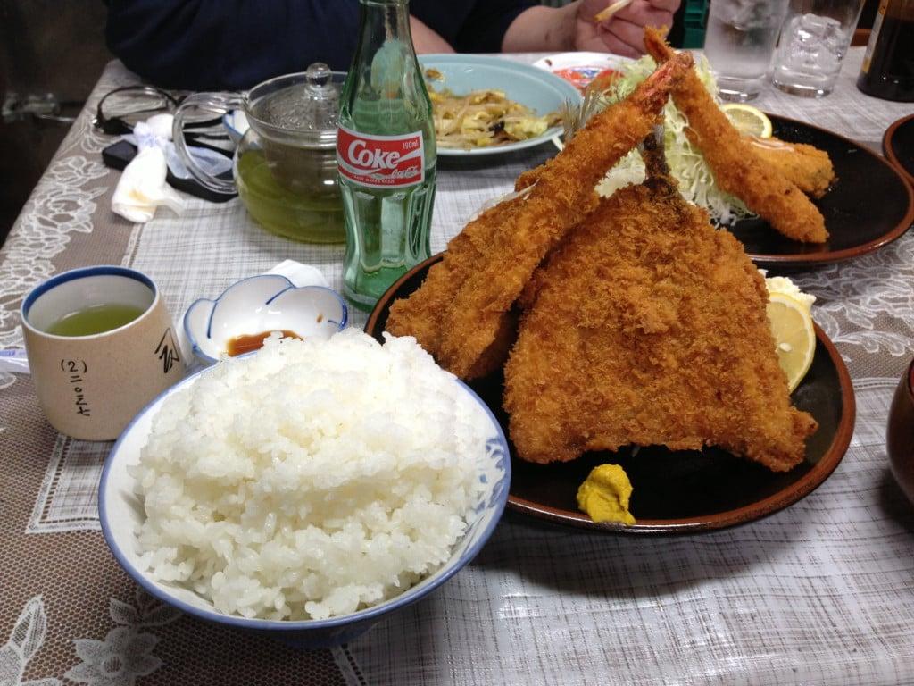巨大カツ丼が有名な地元系定食屋 ~ 富士河口湖町 司食堂